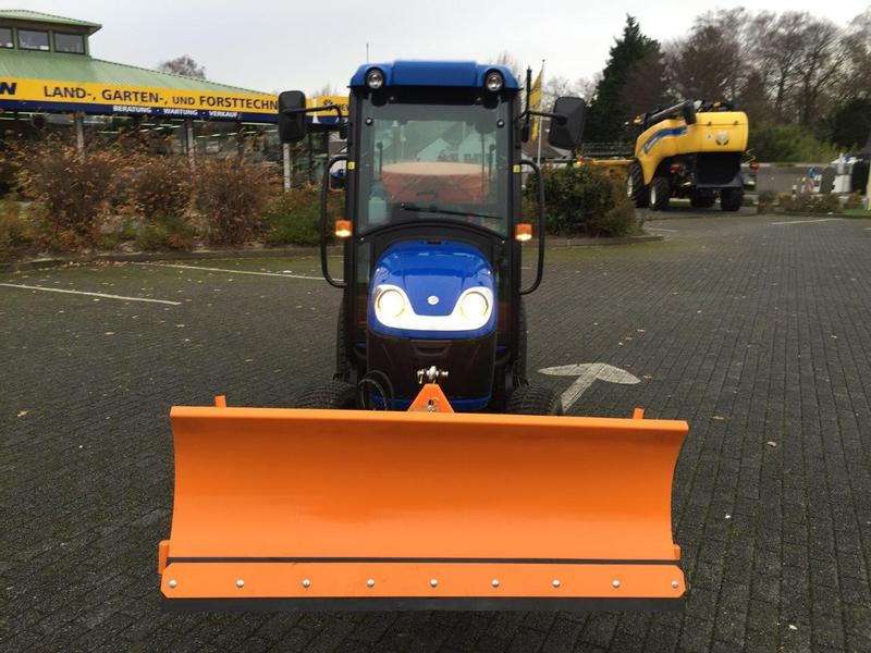 New Holland Boomer 25 HST SNOWLINE