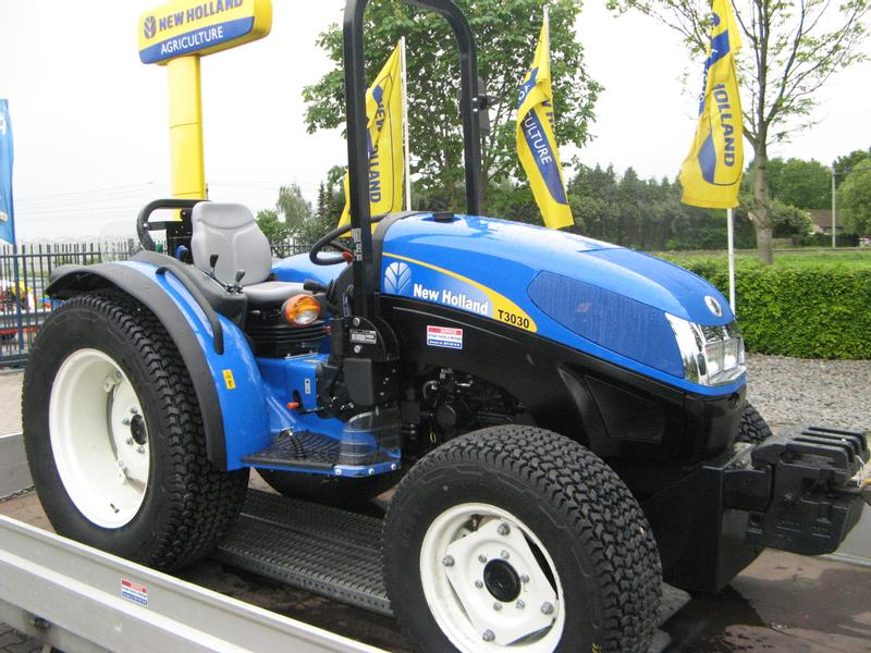 New Holland T3030   4X4  CREEP