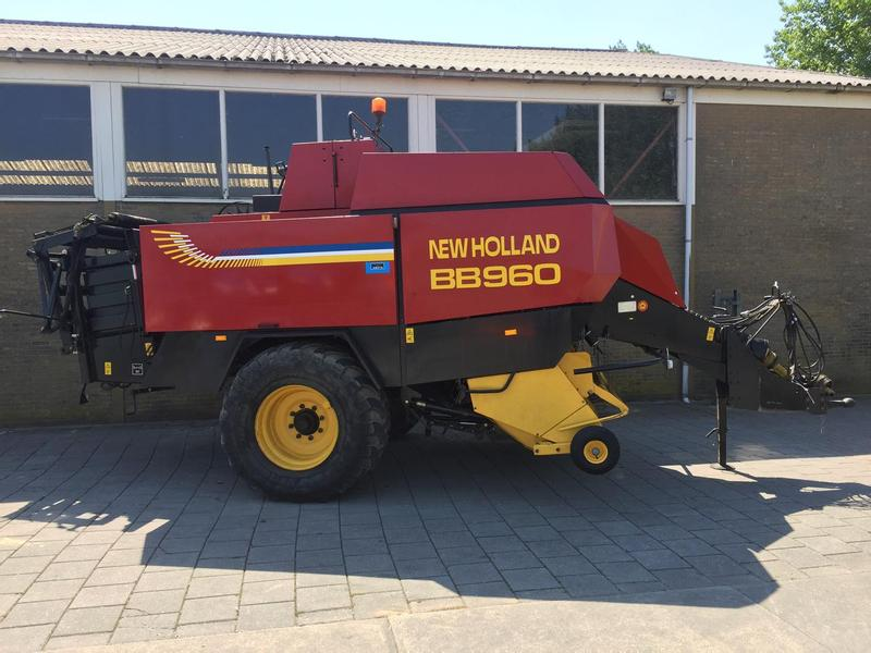 New Holland BB960 grootpakpers