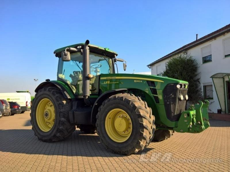 John Deere 8245R PowerShift