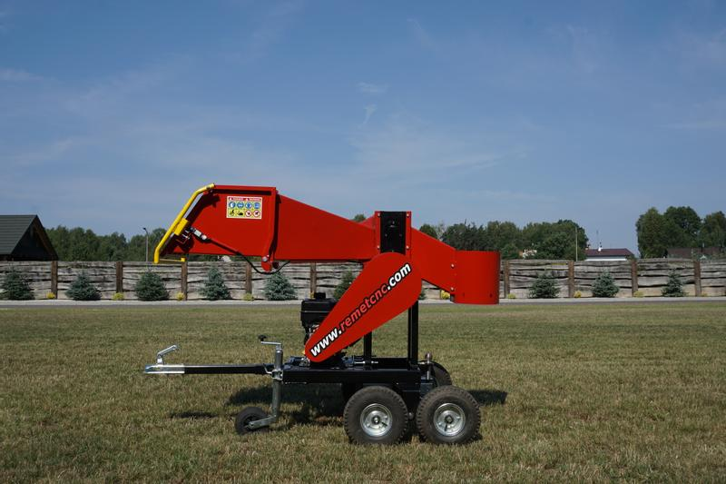 REMET Wood chipper RPS100 + off-road chassis, engine 10HP