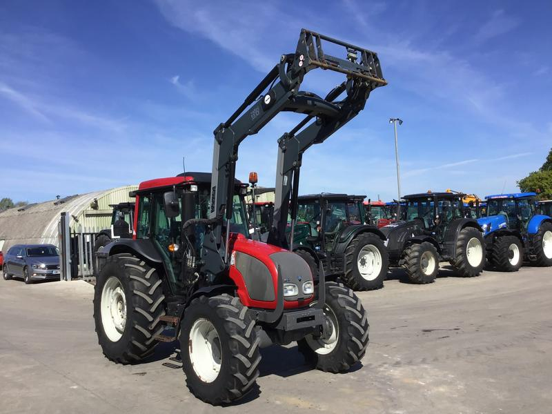 Valtra A93 Tractor (ST3554)