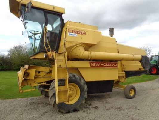 New Holland Used  8040 Combine