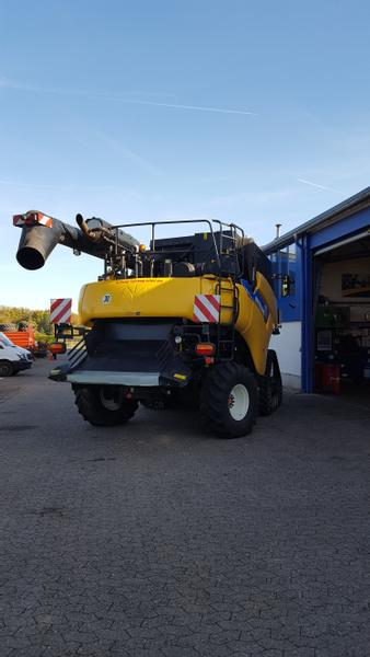 New Holland CR8080 Raupe