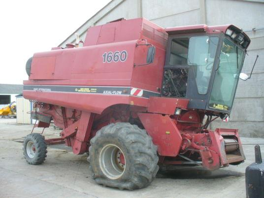 Case IH A VENDRE PIECES DETACHEES MOISSONNEUSE BATTEUSE 1660